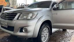 Toyota Hilux SRV ÚNICO DONO - 2013