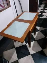 Linda mesa de madeira elástica com vidro fosco ótima qualidade
