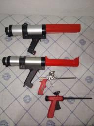 Aplicador pneumático de resina e aplicador de espuma