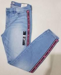 Calça feminina Tommy Hilfiger importada dos Estados Unidos