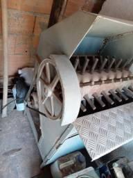 Máquina de dispenar frango