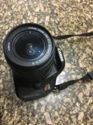 Canon T3i com carregador, lente e bateria 1200 ou 1350 com o grip NÃO ACOMPANHA CASE
