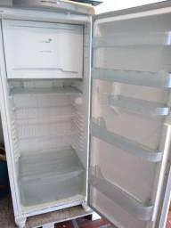 Vendo 2 geladeiras
