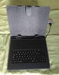 Capa case com teclado para tablet formato Ipad