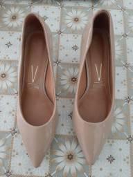 Sapato bico fino feminino Vizzano