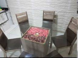 mesa com tampo de vidro e 6 cadeiras