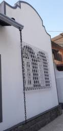 Alugo Casa em Grajaú, 3 quartos,2 banheiros, 1 vaga de garagem.