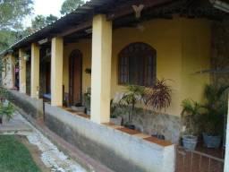 Título do anúncio: Ótima granja terreno com 1700 m² e duas casas no centro de Filgueiras