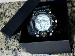 Relógio Shock Digital à prova de água.