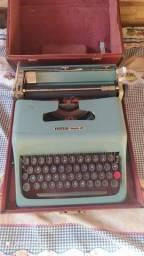 Maquina de escrever Olivetti Studio 44 precisa consertar
