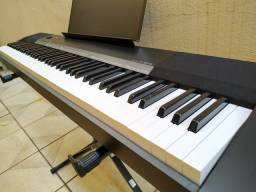 PIANO DIGITAL CÁSIO CDP 135 EM ESTADO DE NOVO