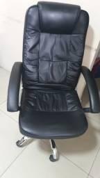 Cadeira escritorio Seminova de R$ 799 por R$ 499 a vista
