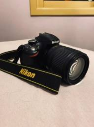 Câmera Nikon D3200 com duas lentes