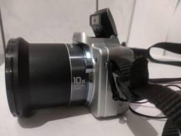 Camera Sony Dsc- H10   8.1mega pixels 10x zoom