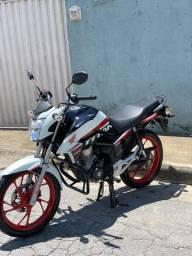 Vendo Titan 160 25 anos  2020 moto zera