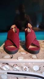Uma sandália número 37