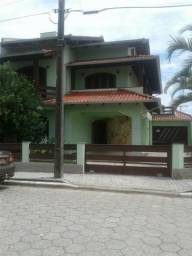 Casa na praia de enseada em sao francisco do sul zap 047 984 66 10 02