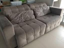 Sofá retrátil com muito espaço e conforto