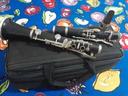 Clarinete weril em Do 13 chaves.