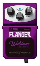 Pedal Ultra Flanger Para Guitarra Waldman UFG-3R Roxo