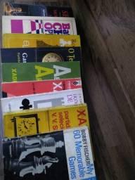 Vendo acervo contendo 09(nove) livros clássicos de Xadrez