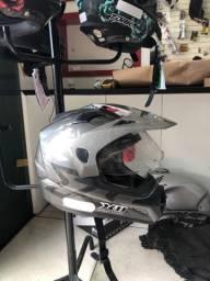 Capacete X11 pra trilha ou motocross