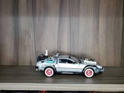 Miniatura carrinho Delorean de volta para o futuro 3