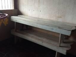 Bancos de madeira