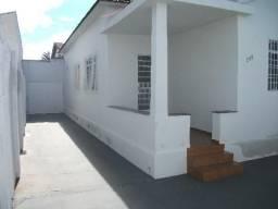 Casa para alugar com 3 dormitórios em Martins, Uberlândia cod:19035
