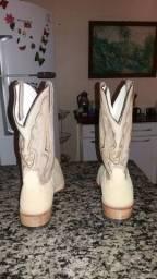 Vendo botas couro de arraia 200 reais