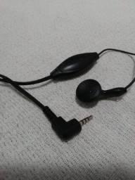Fone de ouvido Nokia com microfone e presilha