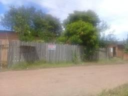 Duas casas à venda