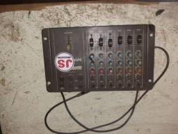 Mesa de som pega 6 microfone