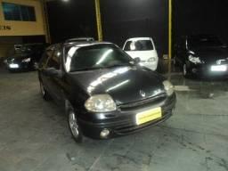 Renault clio rt 2002 em perfeito estado financio mesmo com nome sujo