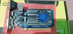 Placa de video GT 710
