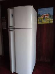 Geladeira Eletrolux Super Freezer DC49A freezer 115L refrigerador 347L