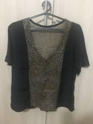 Camiseta feminina preta e onça G