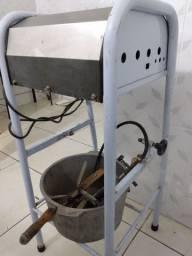 Misturadeira de massas. Misturador