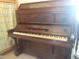 Piano Eissenfelder fabricado em 1962