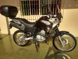 Yamaha Tenere 250 _ Ano-16/17_Marrom *Conservada