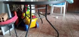 Mesa de ferro com vidro