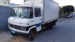 Caminhão Mb 608 ano 86 baú