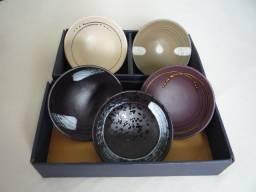 Conjunto de 5 Tigelas de Porcelana Japonesas ( 15 cm x 04 cm ) ( Novas )