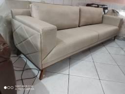 Sofá de luxo com tecido em linho
