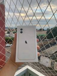 iPhone 11 64gb lacrado. Garantia de 01 ano.