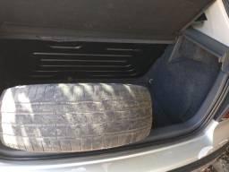 Vendo pneu aro 15