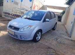Fiesta Sedan 1.0 2009/2009 Completo / Conservado / Financio  R$: 4.500,00 + 60 X 693,00