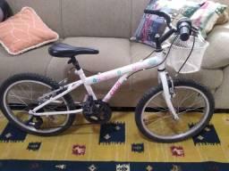 Bicicleta Caloi Ceci aro 20. 7 velocidades
