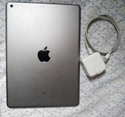 iPad 6 ( 6 geração ) 32 gb // USADO SEM MARCAS DE USO