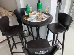 Mesa bistrô alta com 4 banquetas Heineken